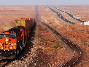 Desert, Train, internal combustion