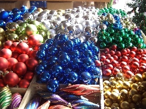 color, baubles