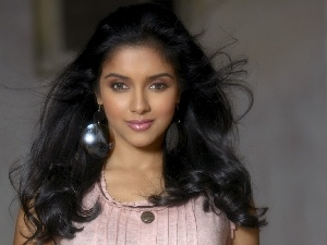 Asin, Hair, beauty, ear-ring