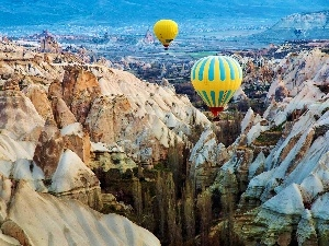 Balloons, canyon