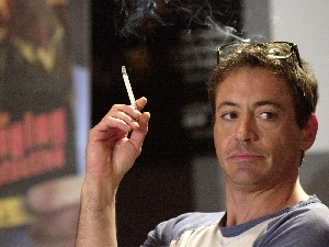 Robert Downey Jr, Cigarette