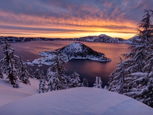 viewes, Mountains, Island of Wizard, State of Oregon, winter, Crater Lake National Park, Crater Lake, The United States, Sunrise, trees
