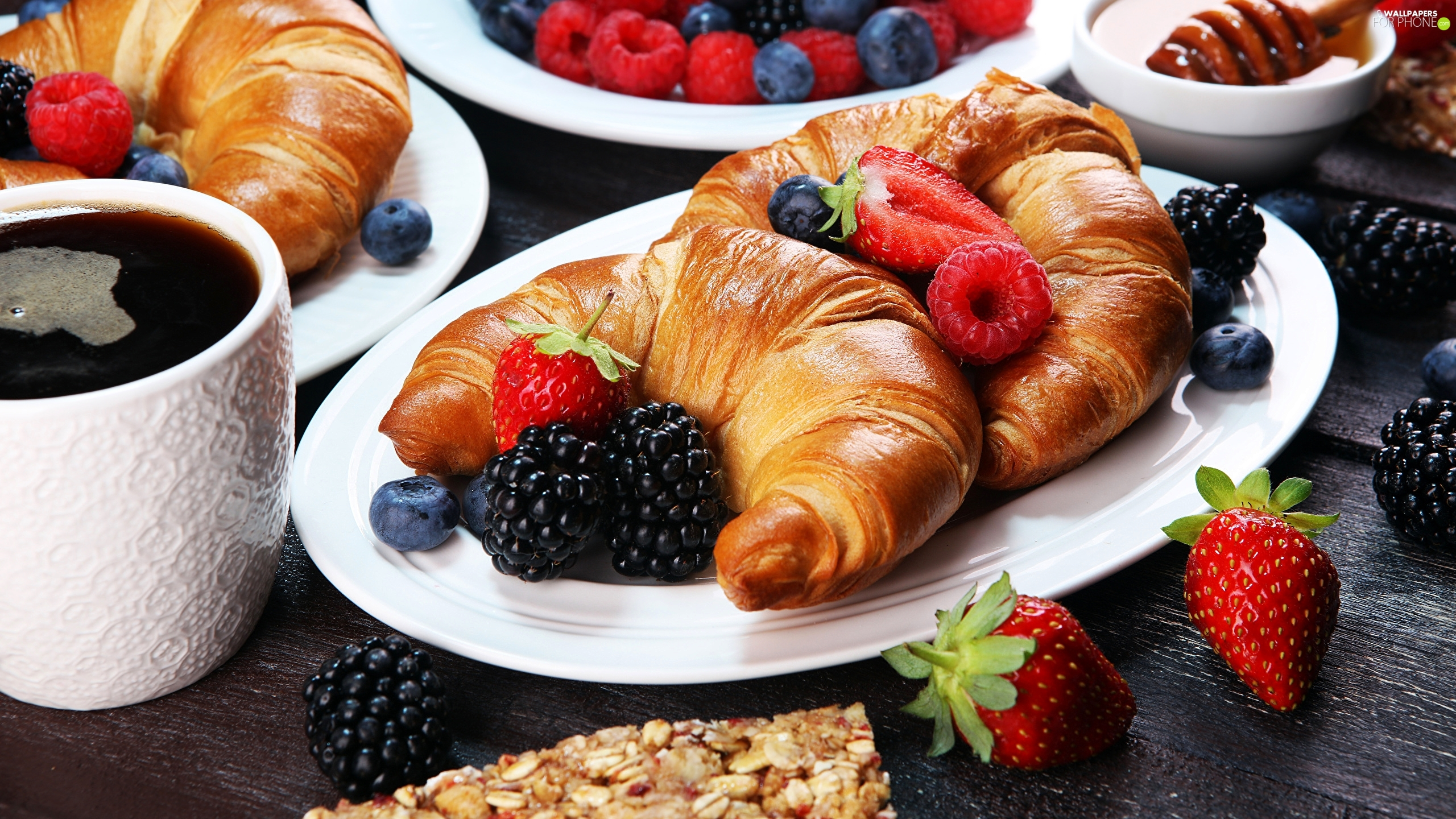 Fruits, breakfast, blueberries, strawberries, raspberries, Cup, coffee, Croissant, croissants, plate, blackberries