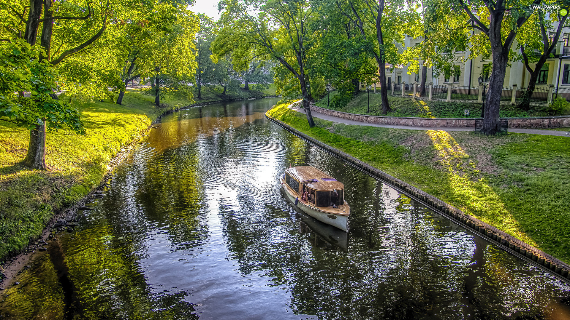 green ones, River, viewes, Motor boat, Park, trees, house