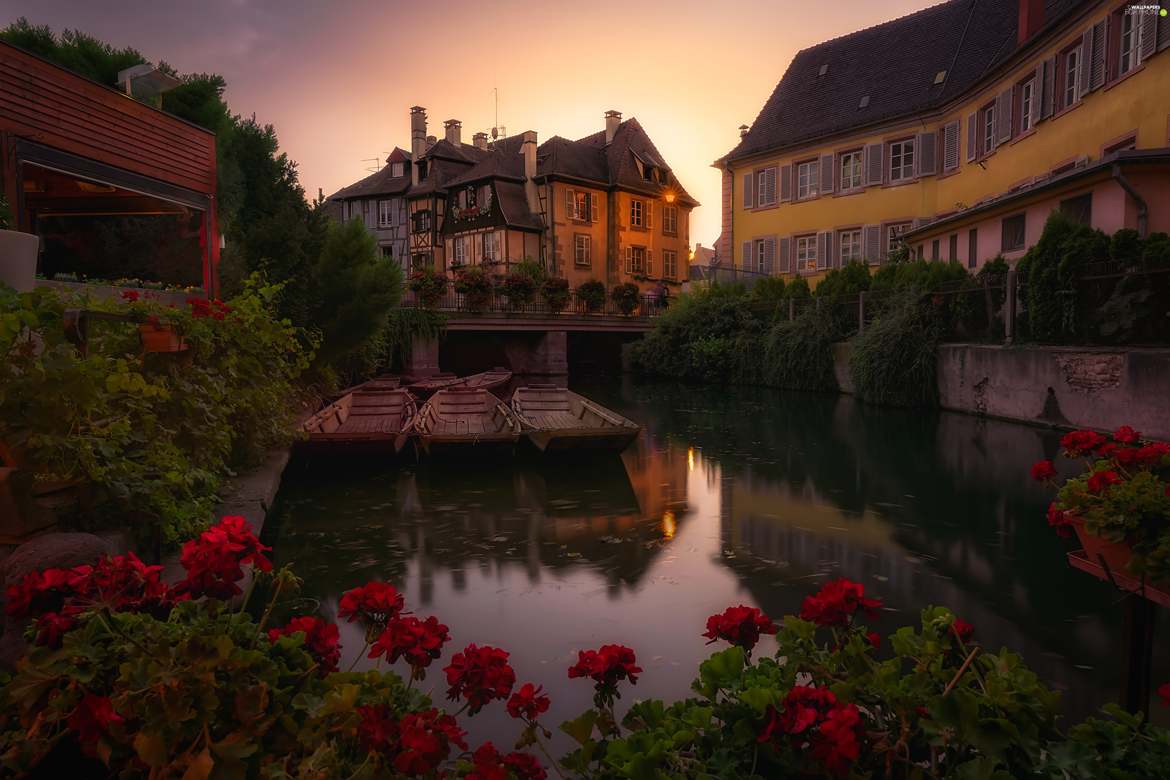 Small Venice District, Lauch River, Upper Rhine Department, boats, Houses, City Colmar, France