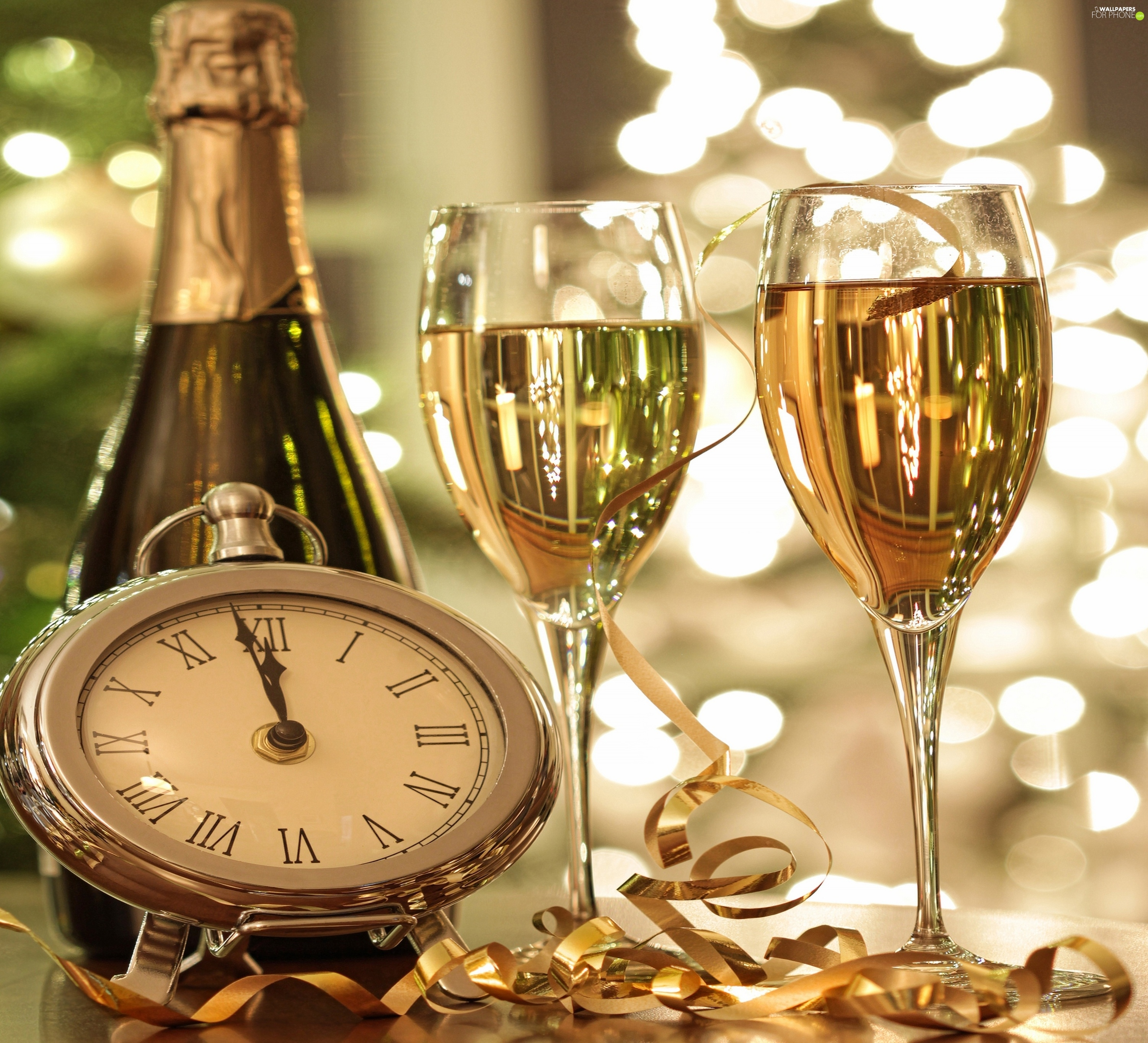 Lights, Clock, Champagne