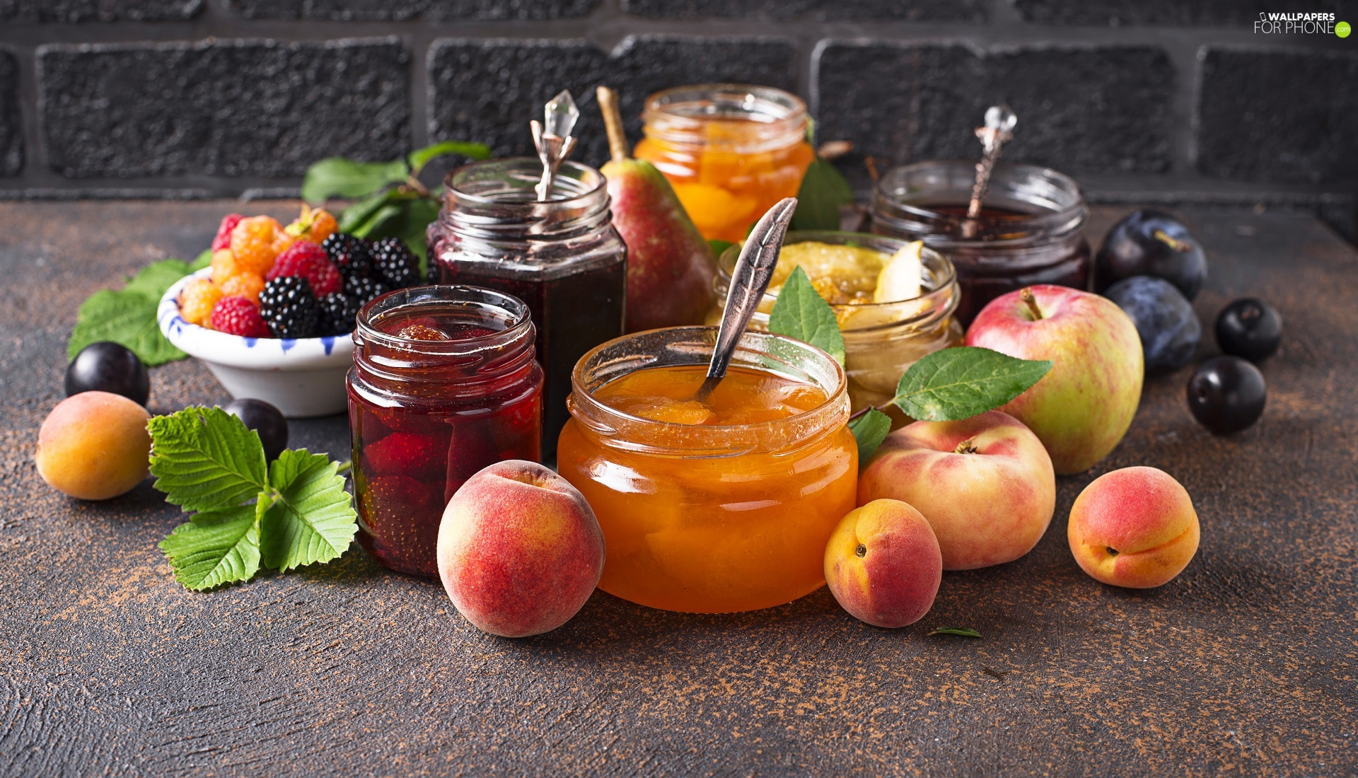 blackberries, peaches, blueberries, Jam, leaves, Truck concrete mixer, Jars, Apple, Spoons, Preparations, raspberries, plums, Fruits