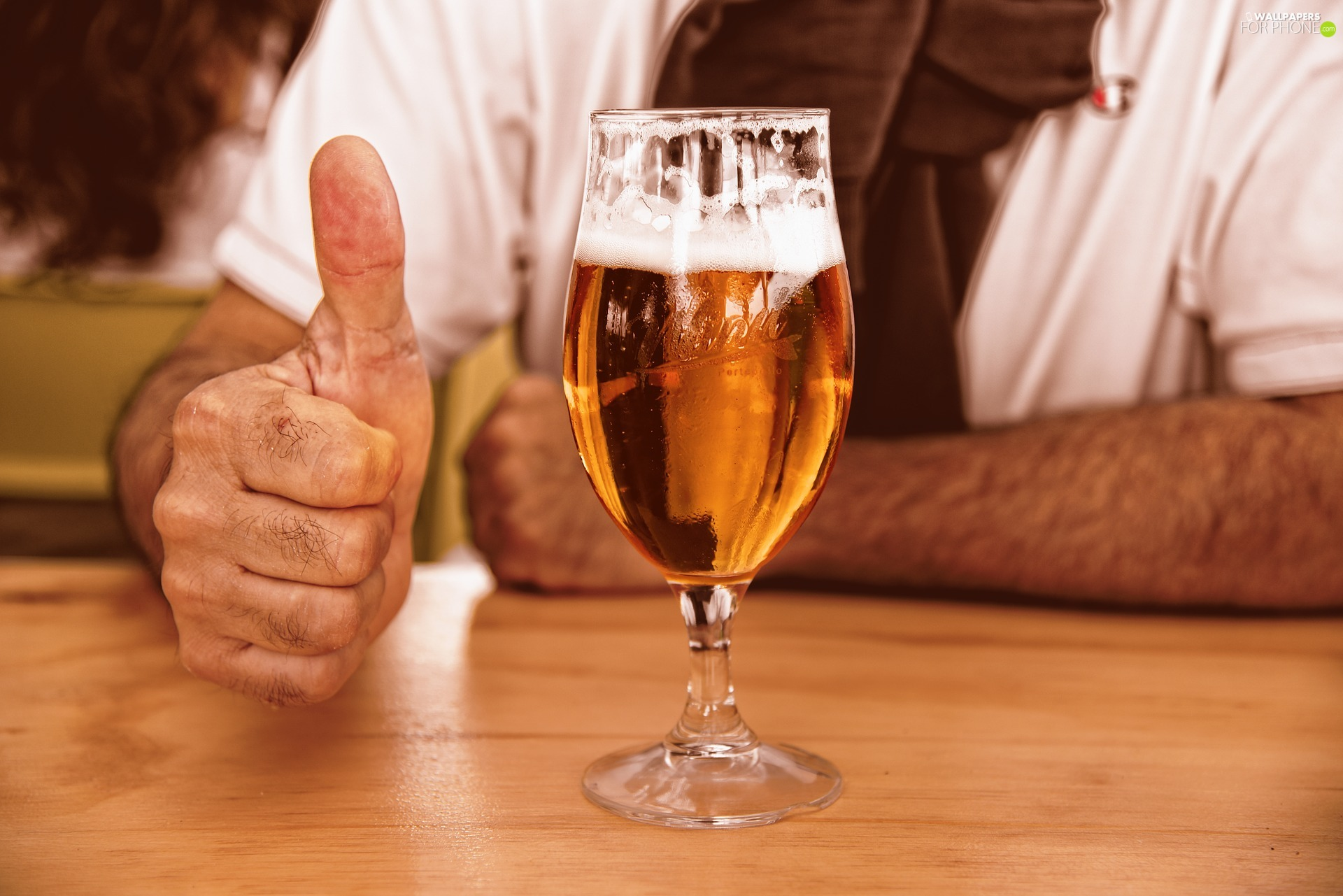 Beer, beer glass, thumb, blade, hands, glass
